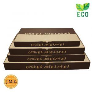 Cajas cocas marrón